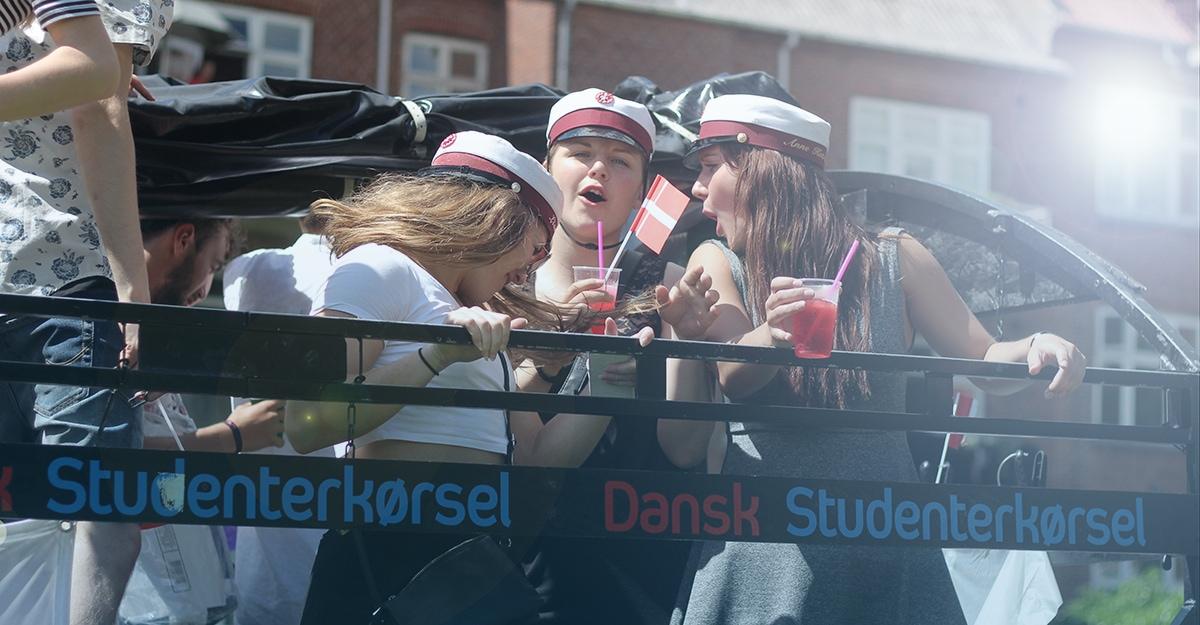 Piger Studenterkøsel Dansk Studenterkørsel